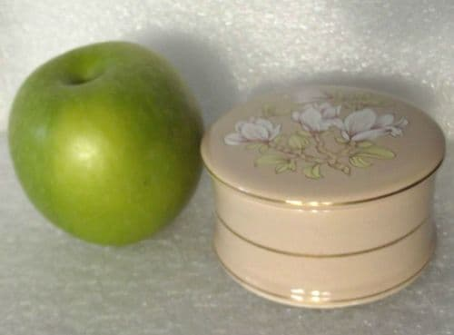 Sadler Magnolia trinket box with lid Pottery blossom flowers Dressing table pot